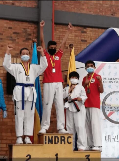 Taekwondistas de Fusagasugá ganan medallas en campeonato departamental