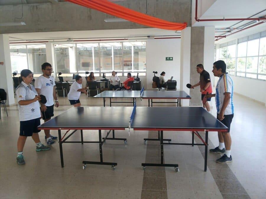Deportistas de Chía destacan en tenis de mesa y voleibol