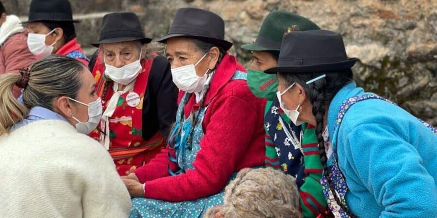 Reconocimiento a hilanderas y tejedoras de Cundinamarca